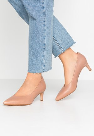 LAINA - Classic heels - praline