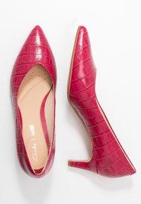 Clarks - LAINA - Classic heels - fuchsia - 3