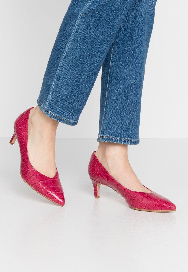 Clarks - LAINA - Classic heels - fuchsia