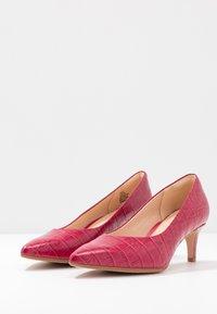 Clarks - LAINA - Classic heels - fuchsia - 4