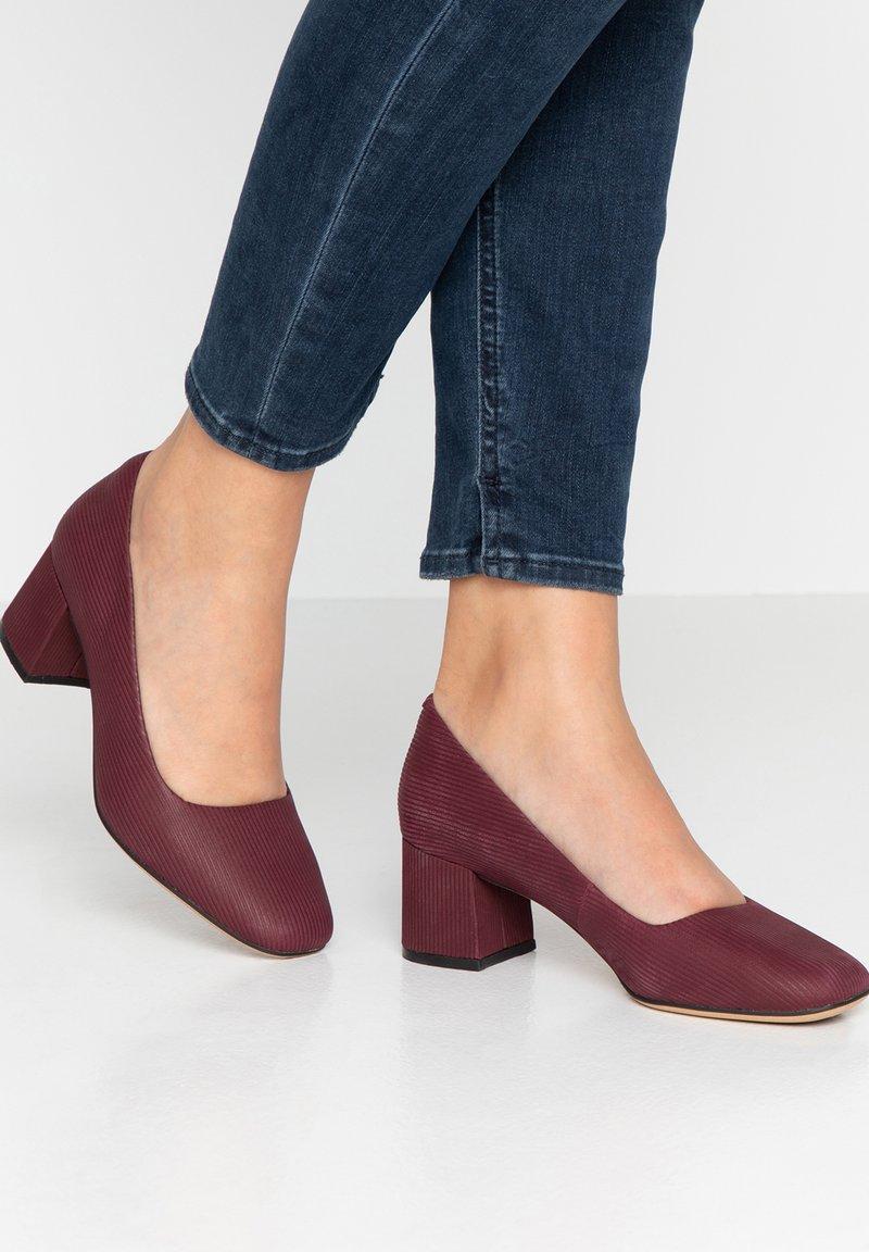 Clarks - SHEER ROSE - Classic heels - red