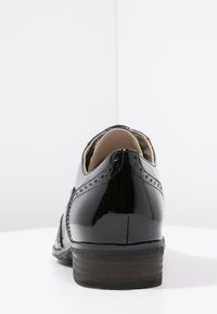 Clarks - HAMBLE OAK - Zapatos de vestir - black - 3