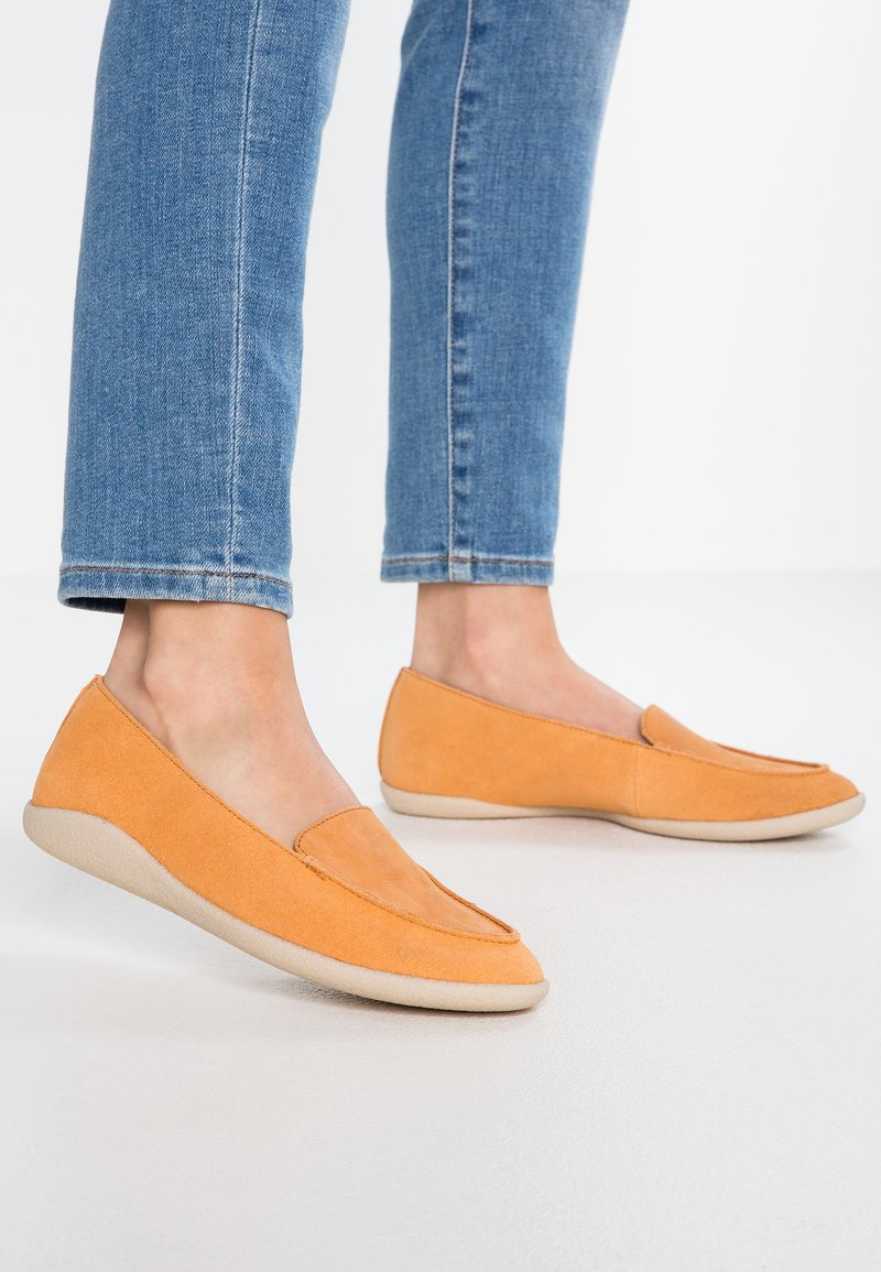 Clarks - DANA ROSE - Slip-ons - light tan