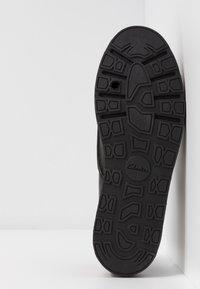 Clarks - TRACE WALK - Lace-ups - black - 6