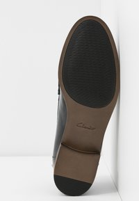Clarks - HAMBLE LOAFER - Slip-ons - black - 6