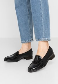 Clarks - HAMBLE LOAFER - Slip-ons - black - 0
