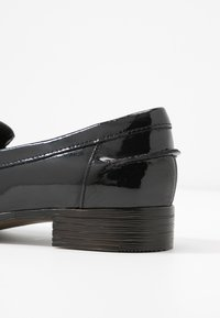 Clarks - HAMBLE LOAFER - Slip-ons - black - 2