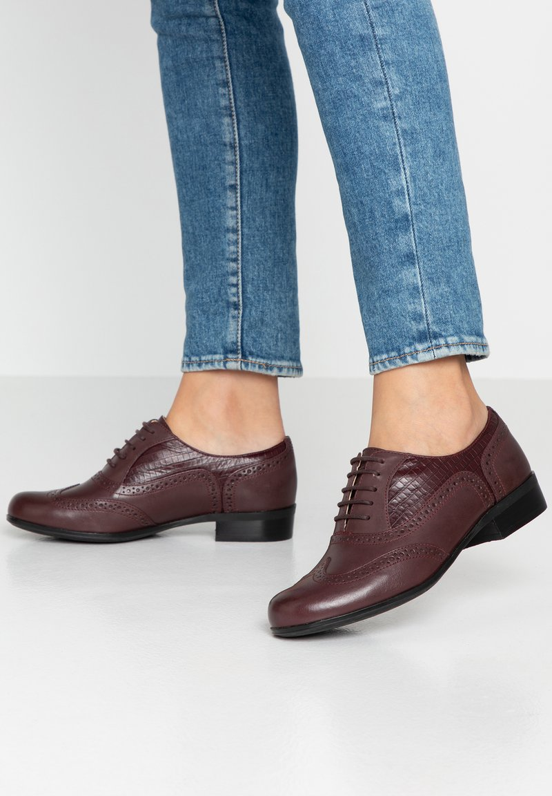Clarks - HAMBLE OAK - Lace-up heels - bordeauxred