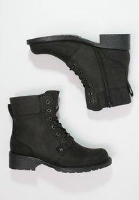 Clarks - ORINOCO SPICE - Šněrovací kotníkové boty - black - 1