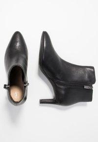 Clarks - CALLA BLOSSOM - Boots à talons - black - 3
