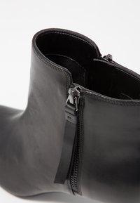 Clarks - CALLA BLOSSOM - Boots à talons - black - 2