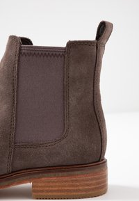 Clarks - ARLO - Ankle Boot - taupe - 2