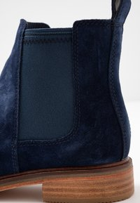 Clarks - ARLO - Ankle Boot - navy - 2