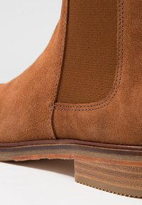 Clarks - ARLO - Ankle Boot - dark tan - 2