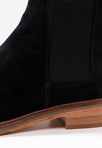 Clarks - ARLO - Ankle Boot - black - 2