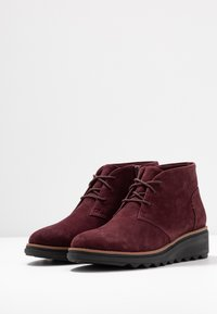 Clarks - SHARON HOP - Ankle Boot - burgundy