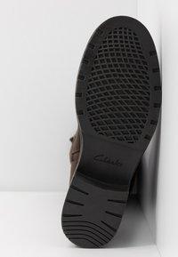 Clarks - ORINOCO JAZZ - Boots - dark brown - 6