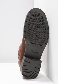 Clarks - ORINOCO HOT - Stiefelette - braun - 6