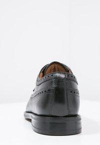 Clarks - COLING LIMIT - Smart lace-ups - zwart - 3