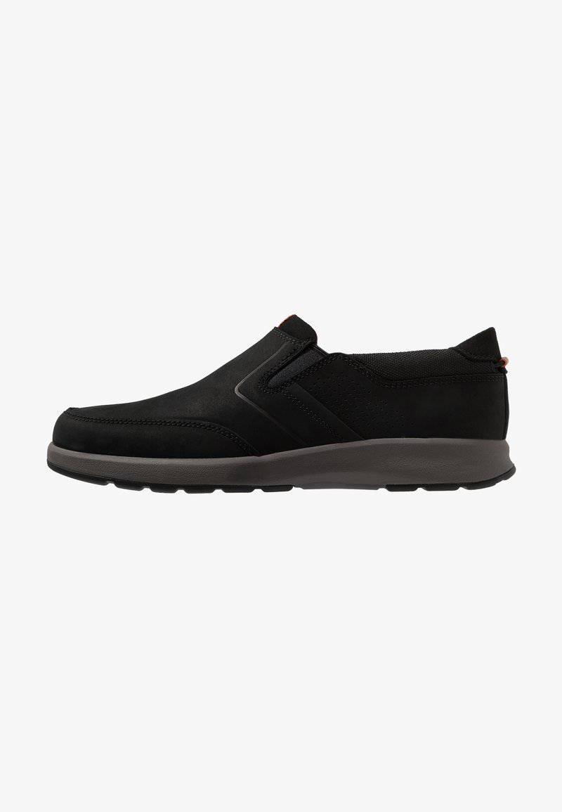 Clarks - UN TRAIL STEP - Loaferit/pistokkaat - black