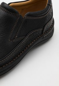 Clarks - NATURE EASY - Mocasines - black - 5