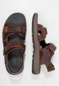 Clarks - BRIXBY SHORE - Walking sandals - marron foncé - 1