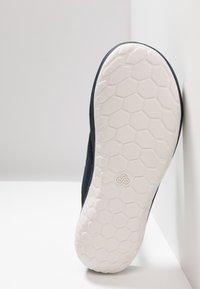Clarks - STEP BEAT DUNE - T-bar sandals - navy - 4
