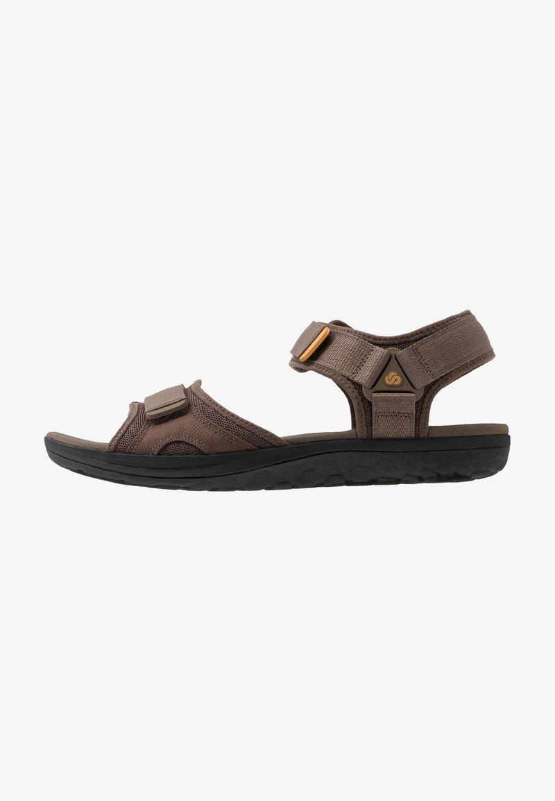 Clarks - STEP BEAT SUN - Chodecké sandály - brown