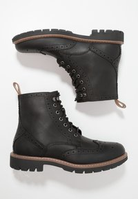 Clarks - BATCOMBE LORD - Lace-up ankle boots - noir - 1