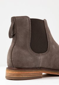 Clarks - CLARKDALE GOBI - Classic ankle boots - taupe - 5