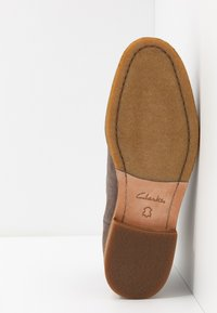 Clarks - CLARKDALE GOBI - Classic ankle boots - taupe - 4