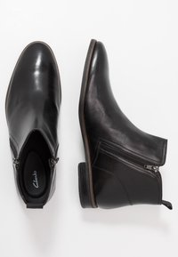 Clarks - STANFORD ZIP - Kotníkové boty - black - 1