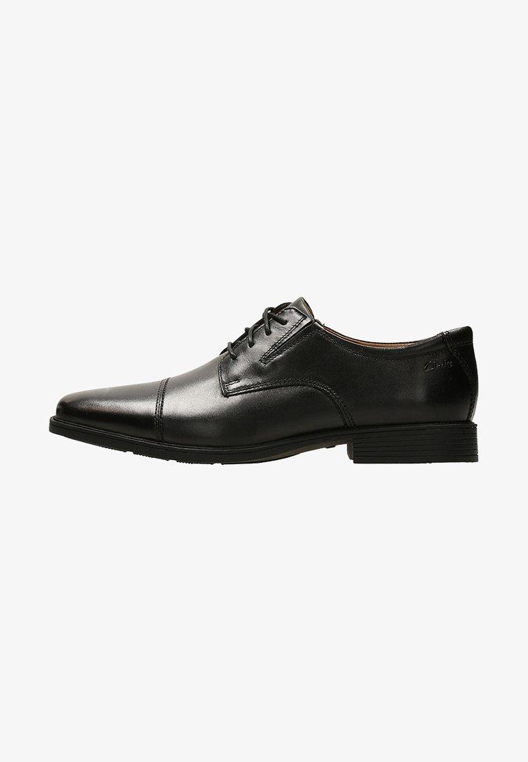 Clarks - TILDEN CAP - Klassiset nauhakengät - black