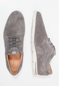 Clarks - VENNOR WALK - Stringate sportive - grey - 1