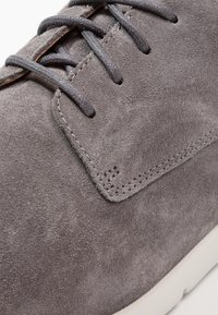 Clarks - VENNOR WALK - Stringate sportive - grey - 5