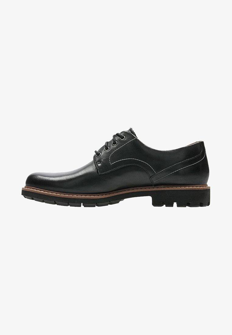 Clarks - BATCOMBE HALL - Sznurowane obuwie sportowe - black