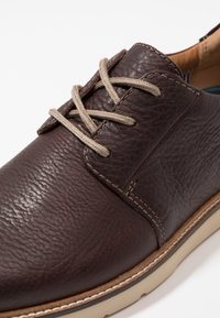 Clarks - GRANDIN PLAIN - Stringate sportive - dark brown - 5