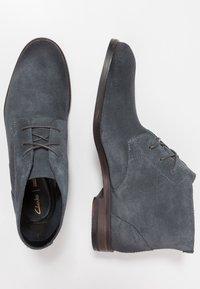 Clarks - FLOW TOP - Zapatos de vestir - navy - 1