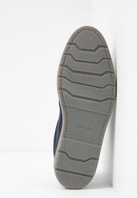 Clarks - GRANDIN PLAIN - Chaussures à lacets - navy - 4