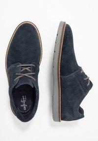 Clarks - GRANDIN PLAIN - Chaussures à lacets - navy - 1
