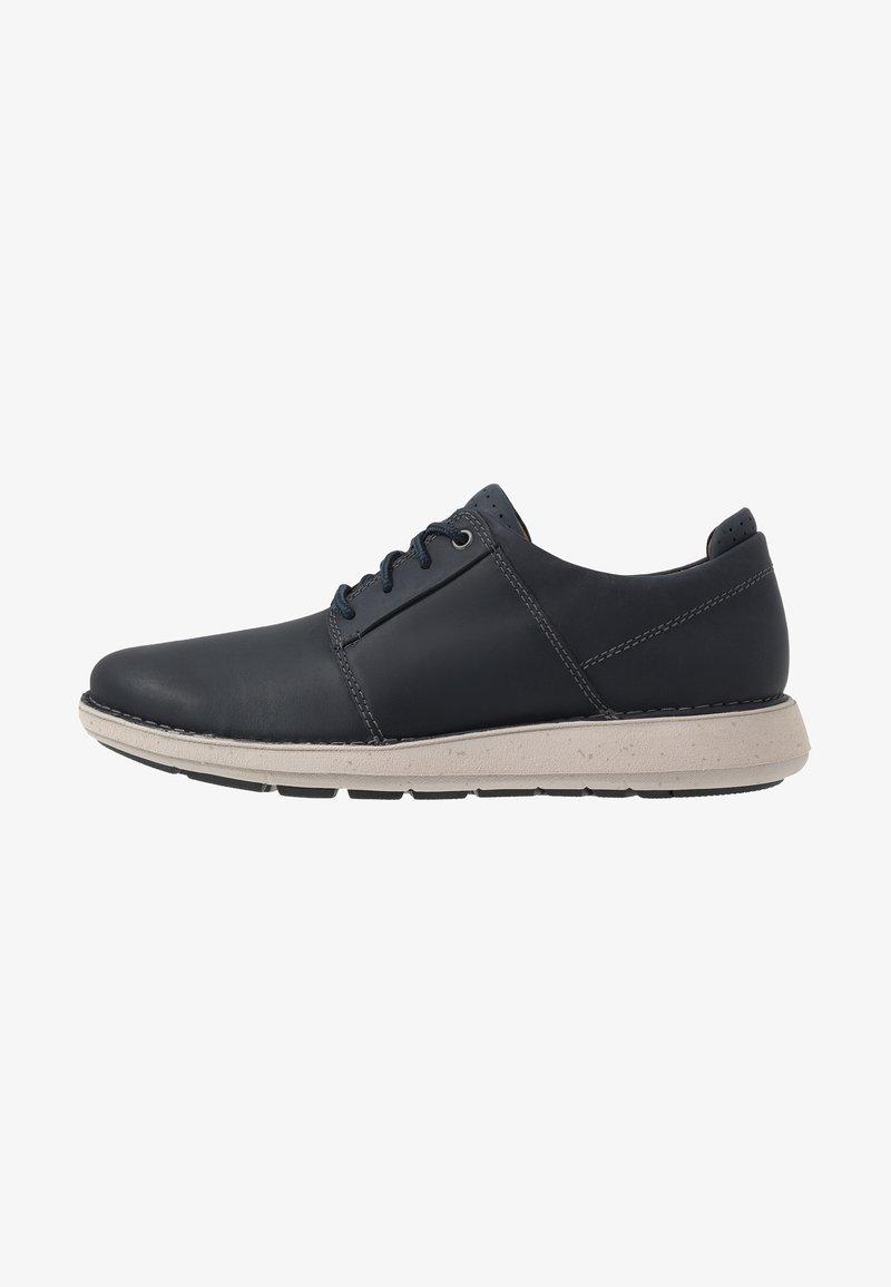 Clarks - LARVIK LACE - Chaussures à lacets - navy