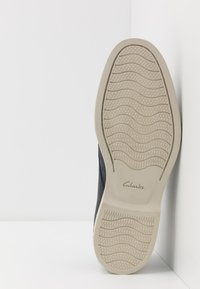 Clarks - ATTICUS LACE - Lace-ups - navy - 4