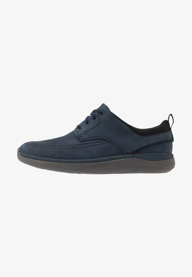 GARRATT STREET - Zapatos con cordones - navy