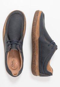 Clarks - UN LISBON WALK - Chaussures à lacets - navy - 1