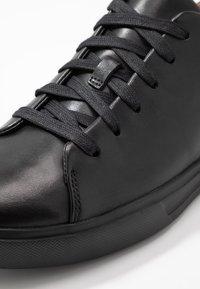 Clarks - UN COSTA LACE - Baskets basses - black - 5