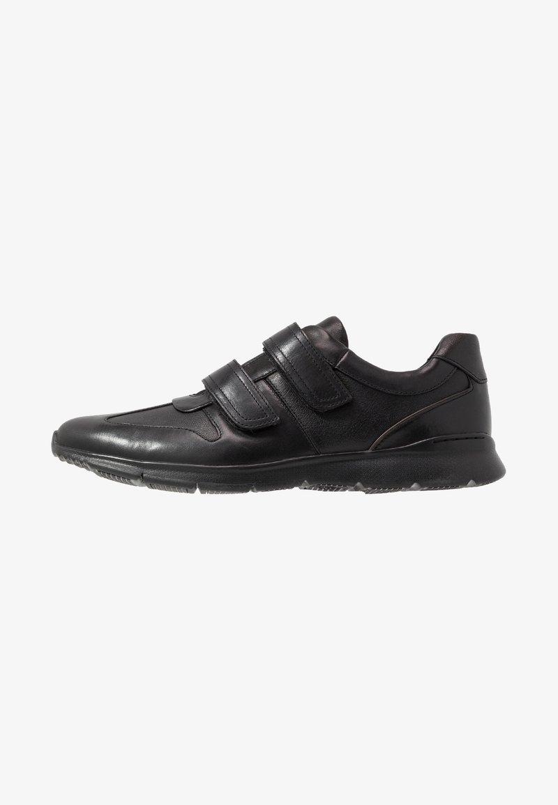 Clarks - UN TYNAMO TURN - Sneakers basse - black