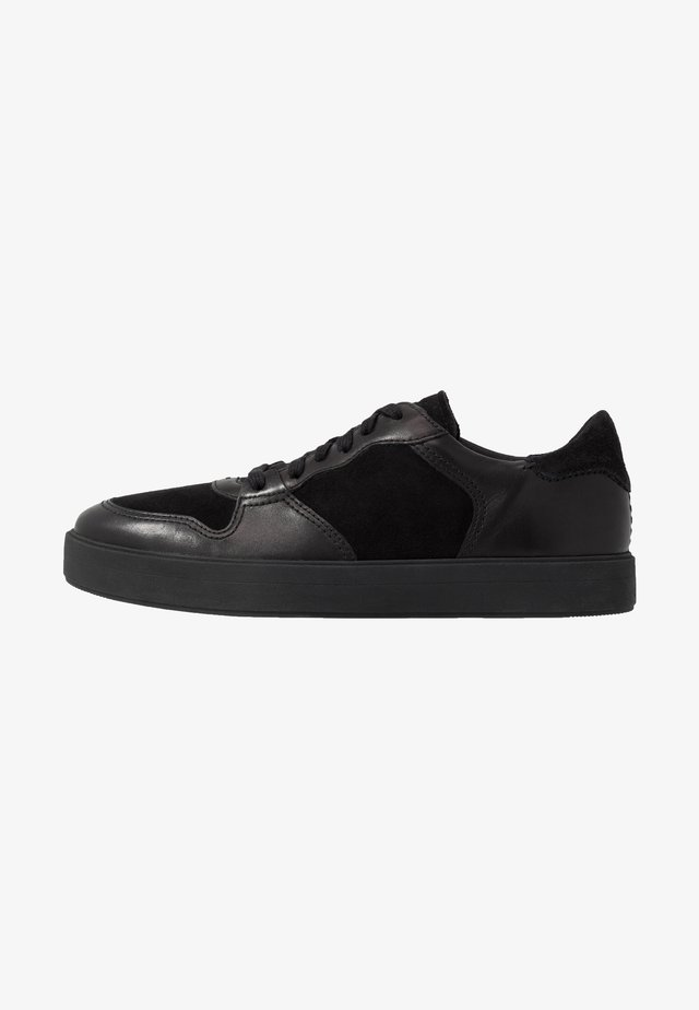 HERO JUMP - Trainers - black