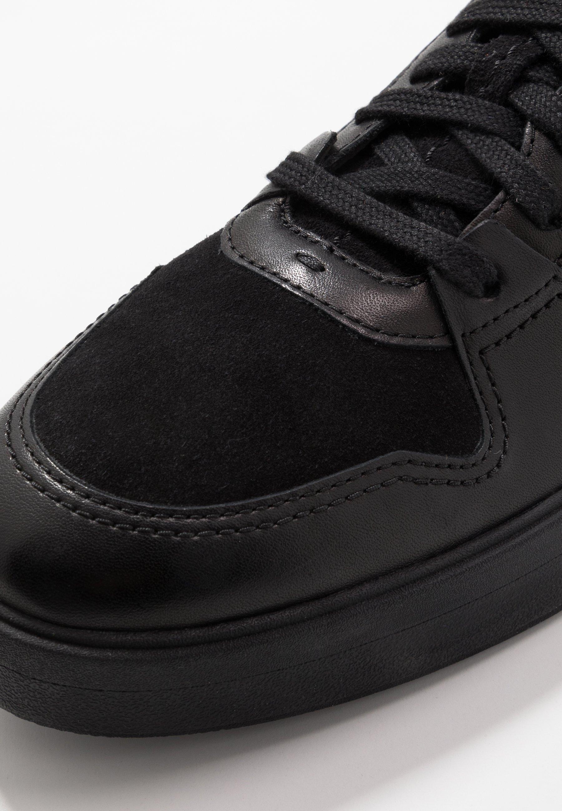 Clarks HERO JUMP - Sneakersy niskie - black