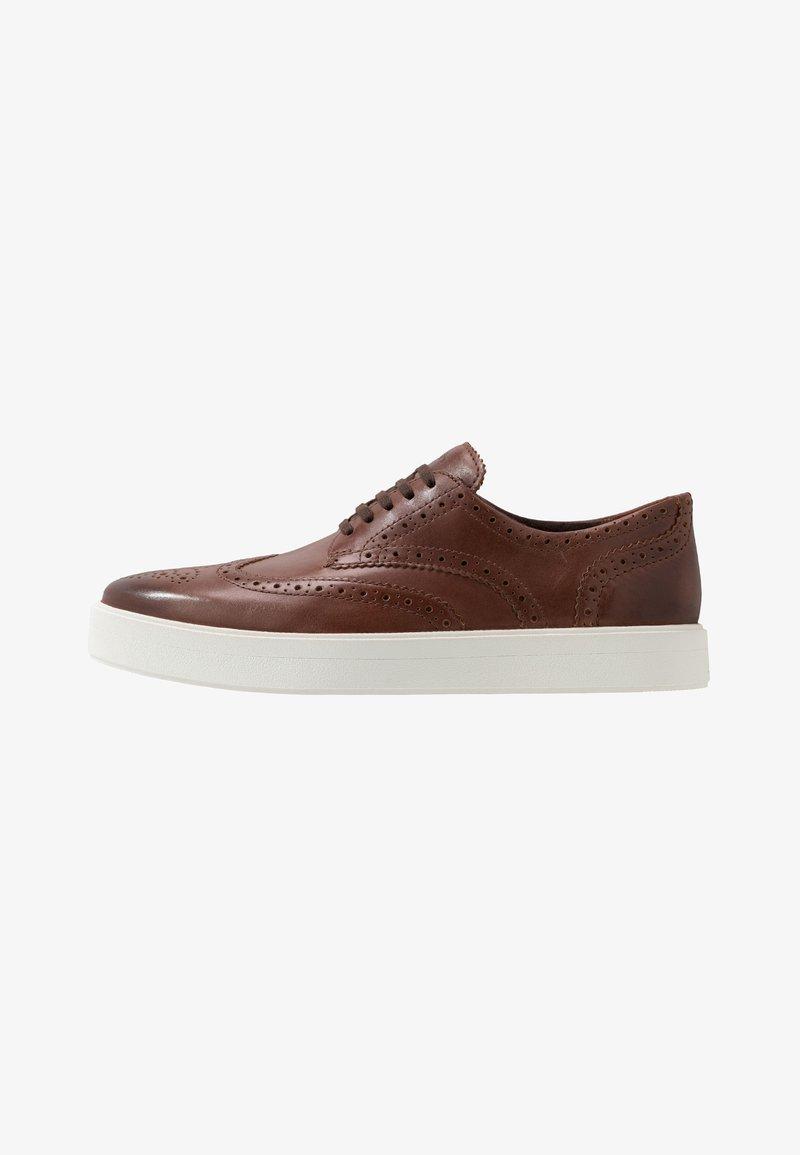 Clarks - HERO LIMIT - Chaussures à lacets - british tan