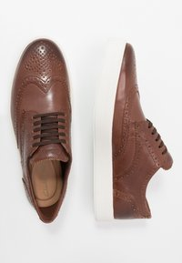Clarks - HERO LIMIT - Casual lace-ups - british tan